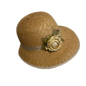 Liz Claiborne 1995 vintage 100% straw hat one size
